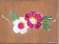 Boite à épingle à linge en bois teint et peint à la main