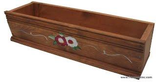 Boite à fleurs en bois teint et peint à la main