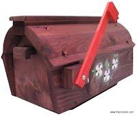 Boite aux lettres rurale en bois teint et peint à la main