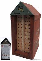 abri en bois pour abeilles solitaires